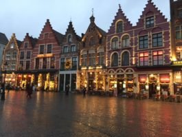 Little Buddha - Fairy-Tale towns to visit to get in a mood for Christmas. Brugge